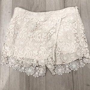 Zara Basic Short/skirt lace